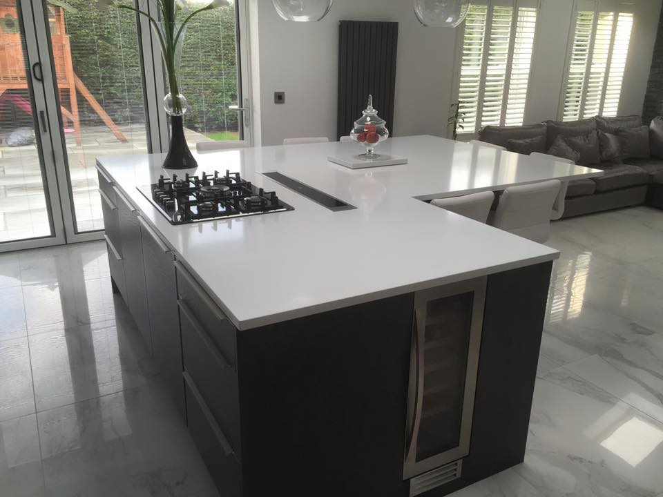 Beautiful L-shape kitchen island