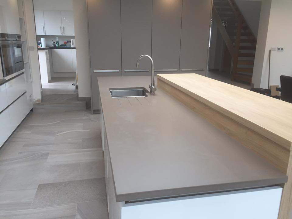 Silestone Unsui Suede countertops in Holmes Chapel kitchen island