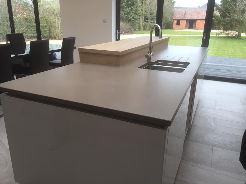 Silestone Unsui Suede finish counter  and gloss white kitchen cabinets in Holmes Chapel Cheshire