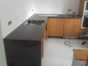 black quartz kitchen build