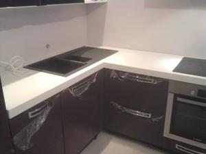 Modern L-shape kitchen