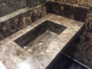 Chunky-black-granite-sink