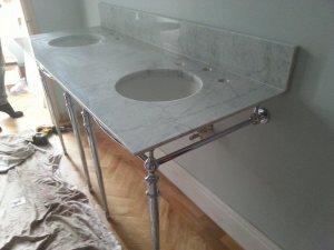 Exposed-pipe-bathroom-granite-installment