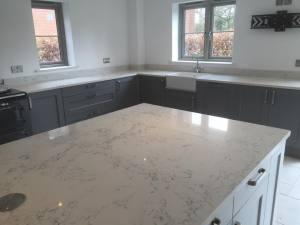Quartz-angelo-white-worktop-island-in-Middlewich-Cheshire