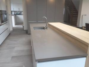 Silestone-Unsui-Suede-countertops-in-Holmes-Chapel-kitchen-island
