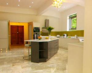 Kitchen-in-the-water-tower-on-Restoration-Man-
