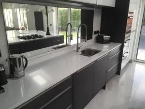 black-and-white-modern-kitchen-two
